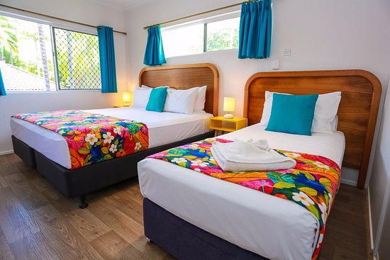 Port Douglas Motel : Queen and Single Guestroom