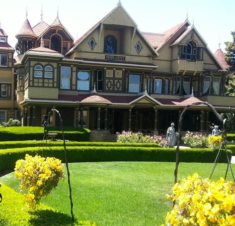 Winchester Mystery House: Wincherster Mystery House