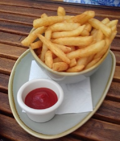 Brisbane Riverbar & Kitchen: Bowl of crisp hot chips