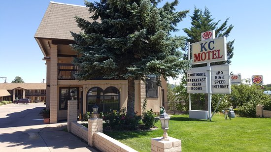 KC Motel: Hotel front entrance