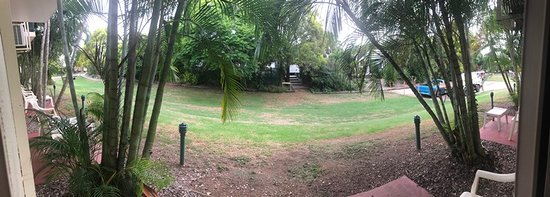 Colonial Village Taigum: View outside from back door (Motel Room - Ground Floor)