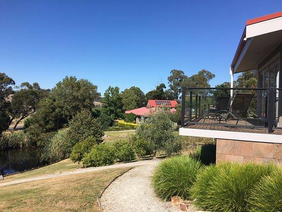 Yarra Glen, Australia: 4 acres of lush manicured gardens to enjoy