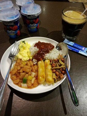 Sepang, Malaysia: Buffet style breakfast
