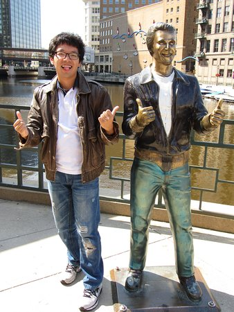 Photo of Monument / Landmark Bronze Fonz at 117 E Wells St, Milwaukee, WI 53202, United States