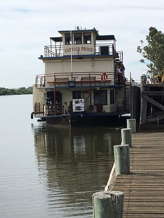 Murray Bridge, Australia: The Captain Proud Paddle Boat