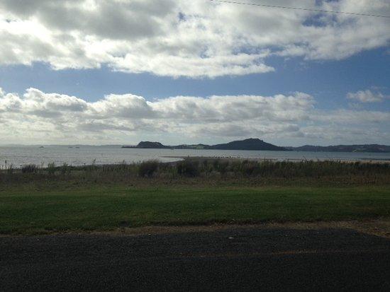 Kawakawa Bay: View across Kawakana Bay