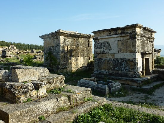 Anatolia Cemetery : 安納托利亞墓葬區的權貴者墓室