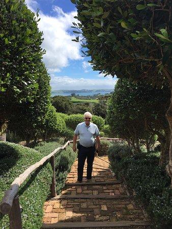 Oneroa, Nueva Zelanda: Lovely afternoon. Fun wine tasting