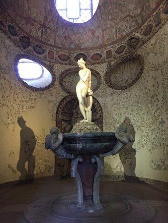 Florence Inferno: Boboli Gardens Buontalenti Grotto