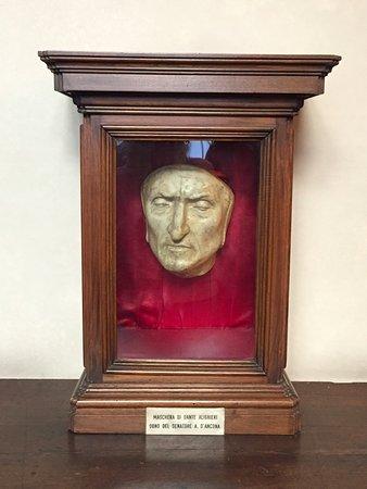 Florence Inferno: Dante's Mask in Palazzo Vecchio
