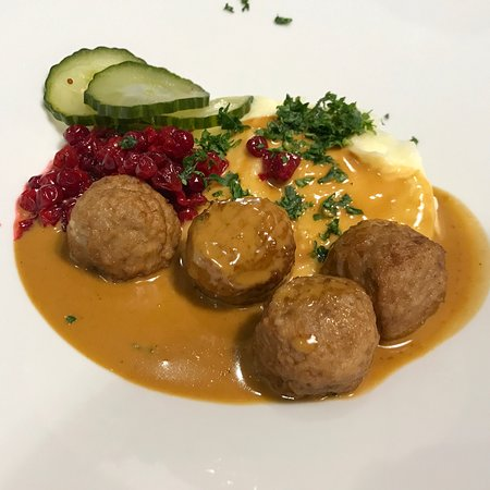 Almhult, السويد: no trip to ikea is complete without the iconic meatball.