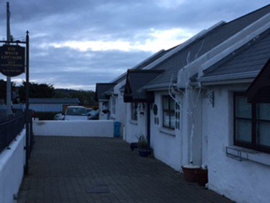 Skerries, Irlandia: The White Cottages...