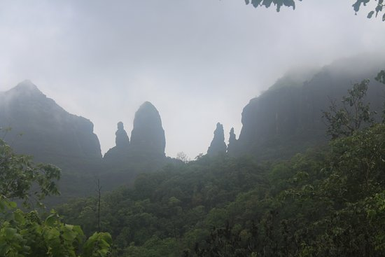 Thane, Indien: Pinnacles of Mahuli Fort