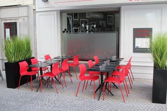 restaurant brasserie du theatre dans clermont ferrand avec cuisine fran aise. Black Bedroom Furniture Sets. Home Design Ideas