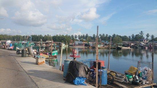 Hat Mai Rut Beach