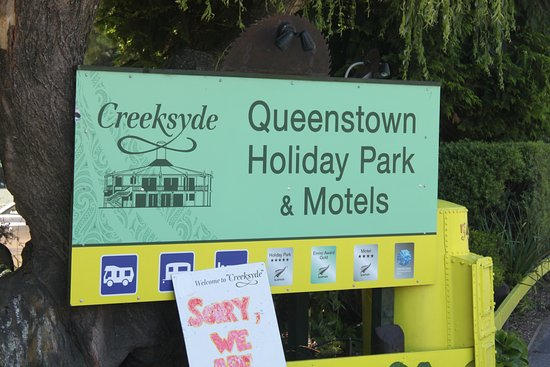Queenstown Holiday Park & Motel Creeksyde: Entrance
