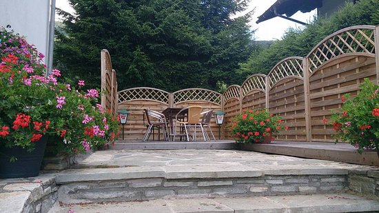 Radstadt, Austria: The terrace is equipped with BBQ/Grill facilities for outdoor dining.