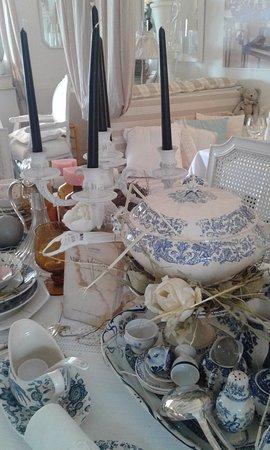 Gorbio, France: Table Marie Antoinnette