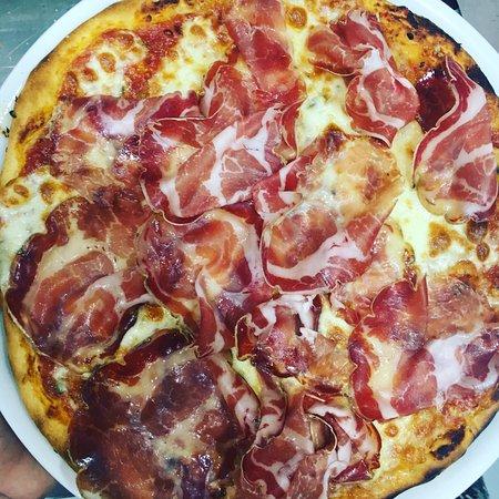 Pizza Emilia: Partisano y coppa