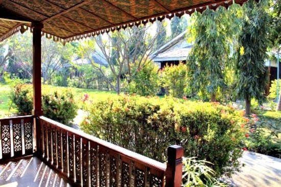Ruby True Hotel : The view of the gardens from our veranda. Just magic!