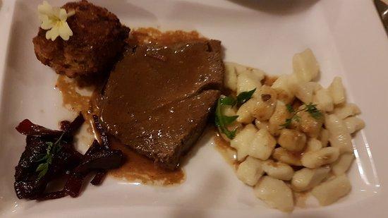 Vino In Turizem Stekar : Meat with Njoki