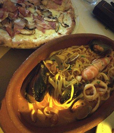 Perfecto para darse un capricho en El Palmar, todo un restaurante con comida de calidad y un tra