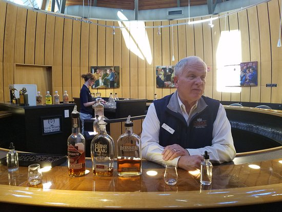 Bardstown, KY: Herb in the amazing tasting room