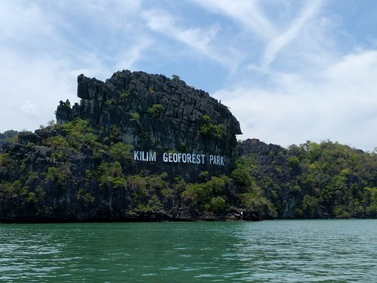 Pantai Cenang, Malaysia: Cruising along outer sea perimeter of the geopark