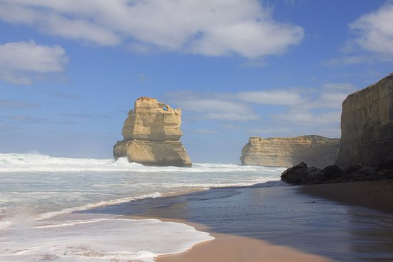 Port Campbell, Avustralya: Morning reflection on the rock stacks