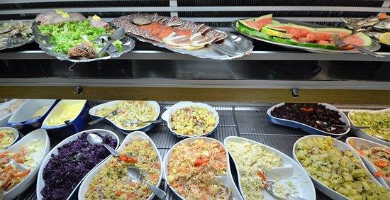Montfiquet, Frankreich: The buffet