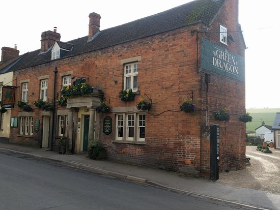 Devizes, UK: this is a view of the Green Dragon pub, showing access to the car park on the right