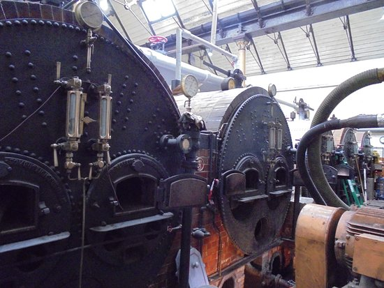 Ravenshead, UK: The boiler being cleaned