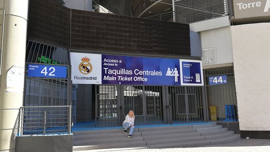 Img 20160227 wa0003 photo de stadio santiago for Puerta 44 bernabeu
