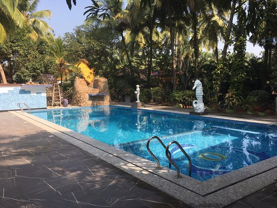Seaview Resort: Swimming pool