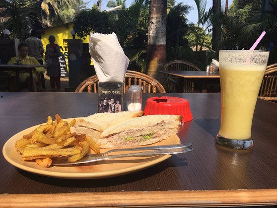 Seaview Resort: Breakfast. Fresh Juice is amazing