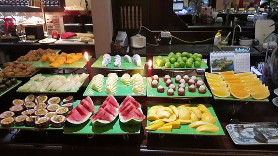 Little Hoian Boutique Hotel & Spa: If you are a fruit person, you have come to the right place. a dozen types served each morning