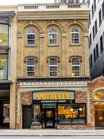 Potbelly Restaurant Toronto
