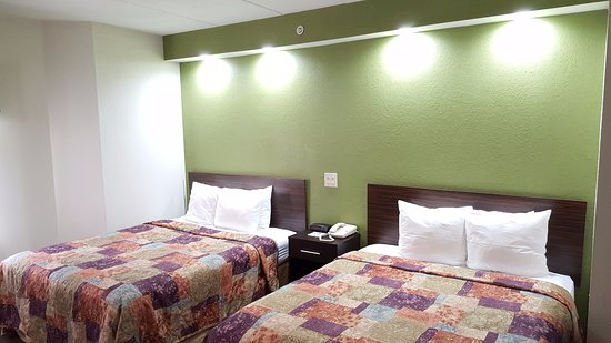 Sleep Inn: Double Queen Bed
