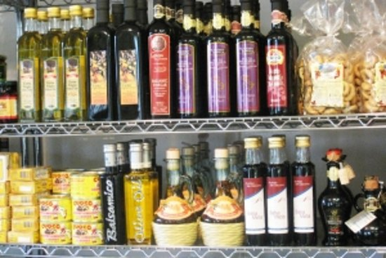 East Hampton, NY: Imported Olive Oil and groceries