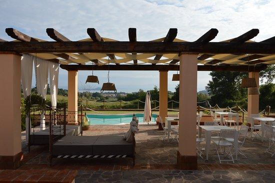 Capodimonte, Italien: portico ristorazione vista lago