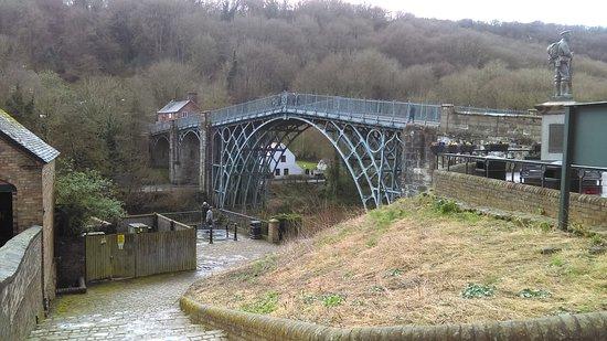 Ironbridge, UK: IMAG0168_large.jpg
