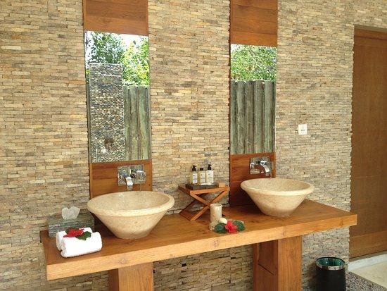 Bagno Aperto In Camera : Il bagno della camera all aperto foto di le domaine de l