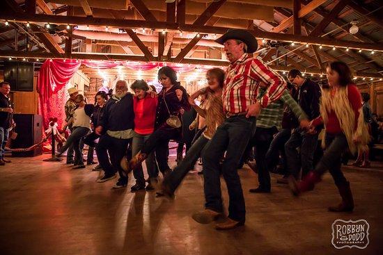 Luckenbach, Τέξας: Dancers