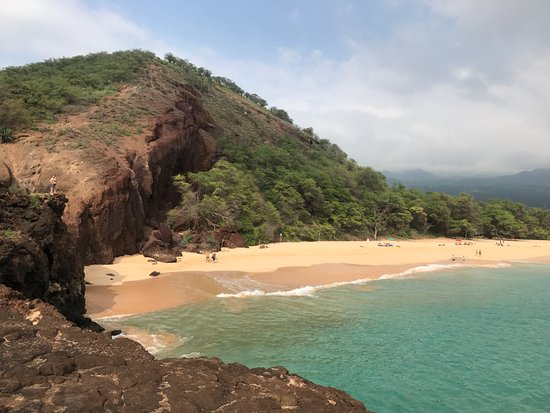 Oneloa Beach : From the lava cliff