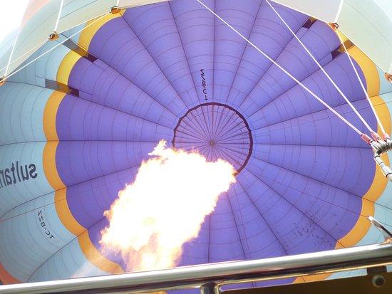 Sultan Balloons: これから高く上がります。