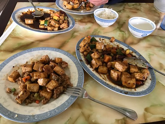 Jet's Palace: Kung pao tofu... excellent choice!