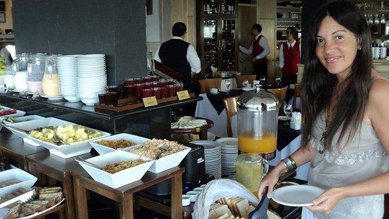 Cala di Volpe Boutique Hotel: excelente desayuno y entorno para compartir.