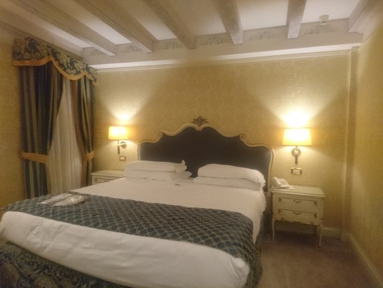 Hotel Antiche Figure Photo
