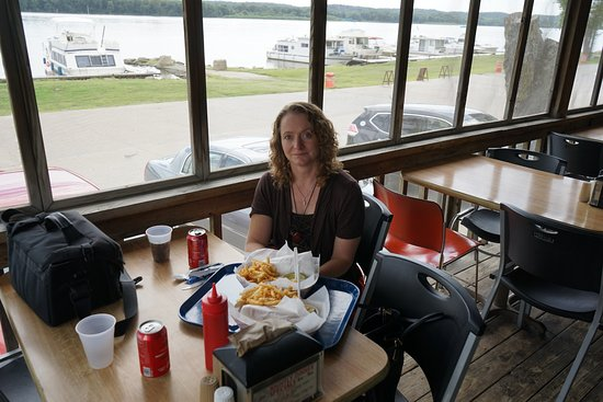 Muscatine, IA: Enjoying the food, the view of the Mississippi