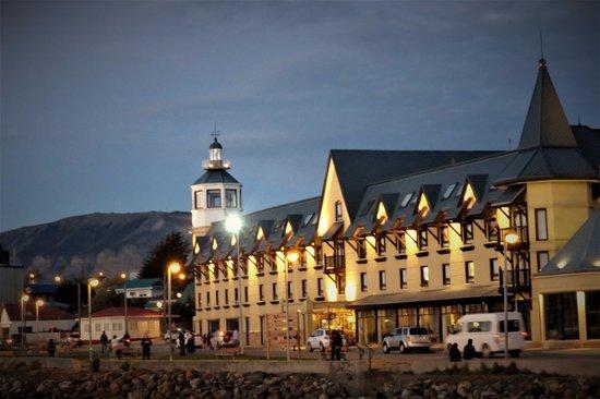 Hotel Costaustralis: Hotel de noche